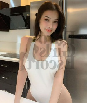 Amalyah live escorts, massage parlor