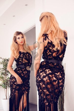 Joumana escort girl in Portland Tennessee