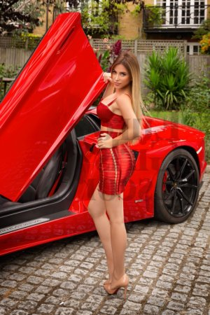 Fatime live escort & thai massage