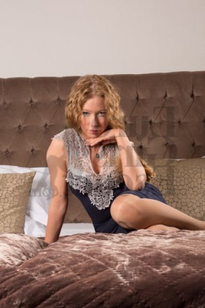 Anny erotic massage