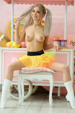 Marie-aurore happy ending massage